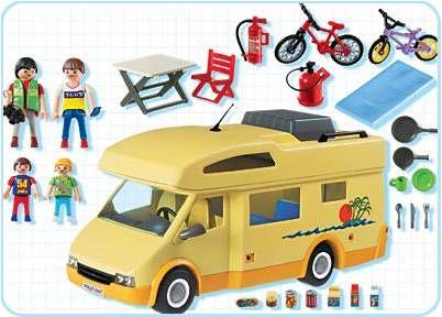 Cette boite contient un camping,car Playmobil, la famille Playmobil et tous  les accessoires pour faire du camping.