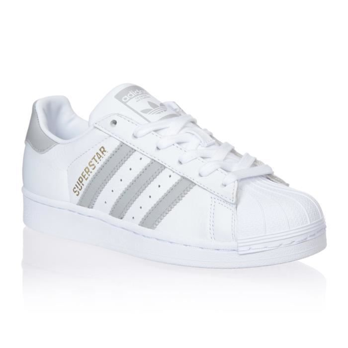 ADIDAS ORIGINALS Baskets Superstar - Femme - Blanc et gris