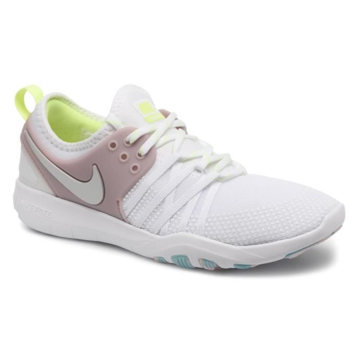NIKE Baskets Free Tr 7 Dames Training - Femme - blanc métallique