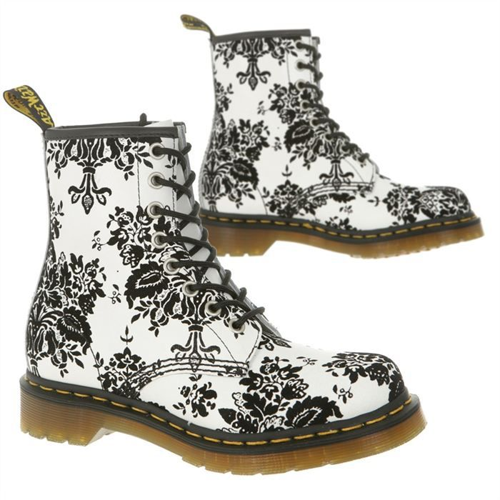 dr martens a fleurs chaussures femme. Black Bedroom Furniture Sets. Home Design Ideas