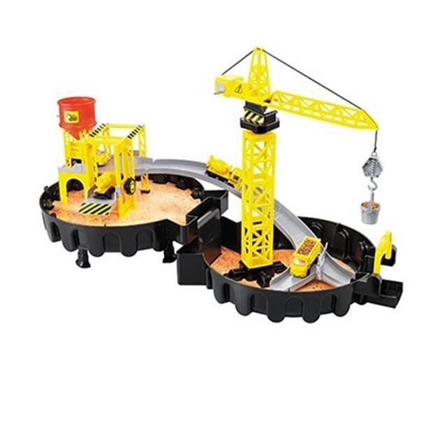 Grue de construction de jouet et carrière de construction avec véhicules de construction