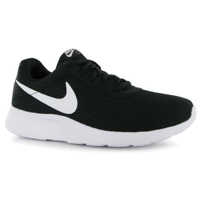 nike baskets tanjun chaussures femme noir achat vente basket cdiscount. Black Bedroom Furniture Sets. Home Design Ideas