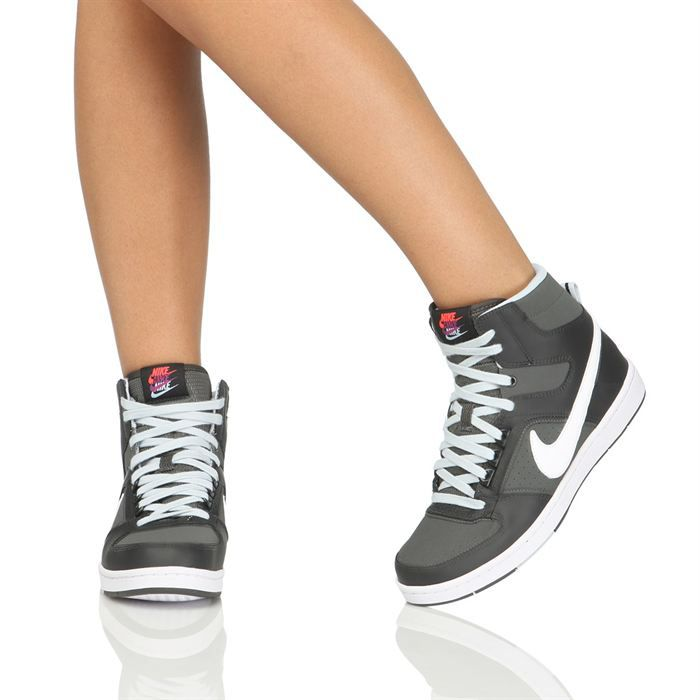 chaussure montante nike femmes