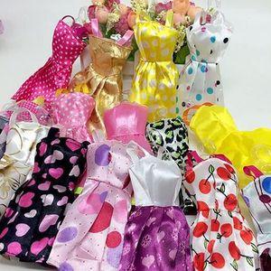 ACCESSOIRE POUPÉE Robe Barbie accessoire vêtement 10 pcs Mini Robes