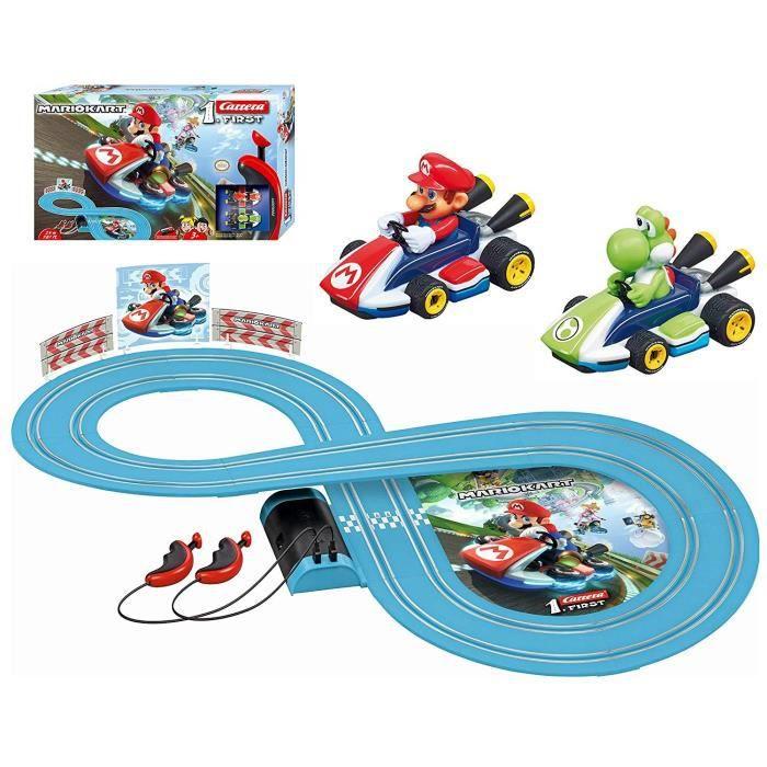 Circuit CARERRA FIRST - Mario Kart™ Nintendo - 2,4 m de piste avec voiture à l'échelle 1:50
