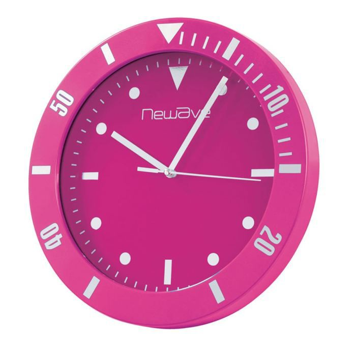 pendule murale plastique fushia style montre achat vente horloge plastique soldes cdiscount. Black Bedroom Furniture Sets. Home Design Ideas