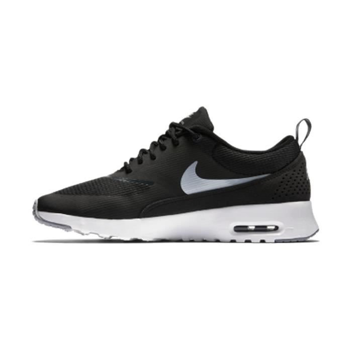 nike baskets wmns air max thea chaussures femme femme noir et blanc achat vente nike baskets. Black Bedroom Furniture Sets. Home Design Ideas