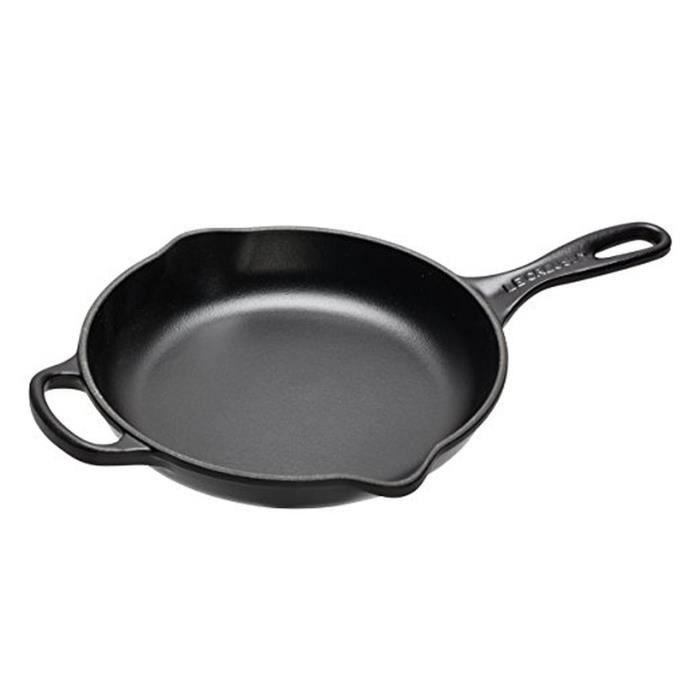 LE CREUSET - 20182230000422 skillet 23cm Fonte noir 23 Cuisine Maison Casseroles plats et poles Casseroles poles et faitouts Grandes
