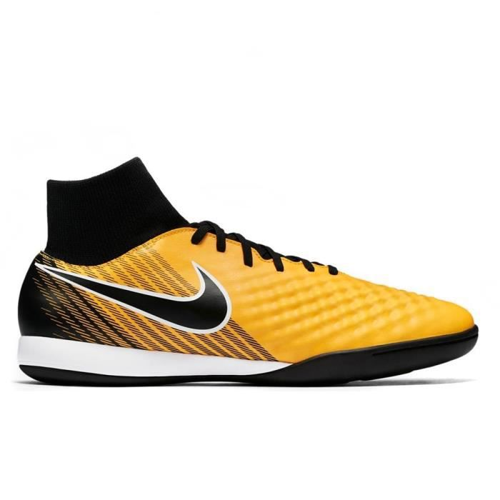 premium selection 308d8 8ef67 CHAUSSURES DE FOOTBALL Chaussures Nike Magistax Onda II DF IC 917795 801