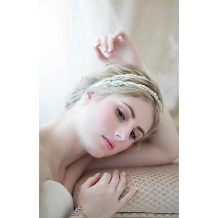 coiffe mariée bandeau cheveux Blanche strass