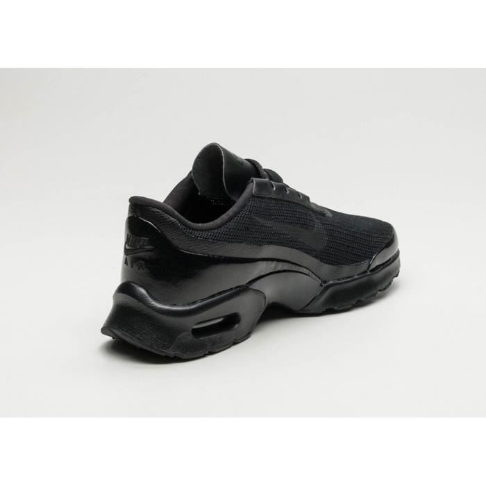 Baskets Nike Air Max Jewell, Modèle WMNS 896194 005 Noir.