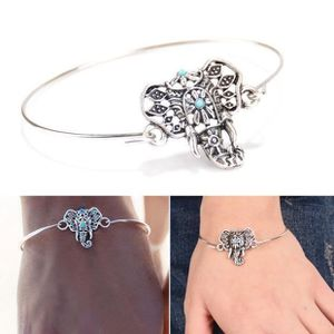 bracelet argenté Elephant Et Perles Bleu Turquoise Indou
