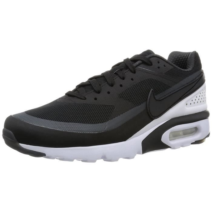 sports shoes bb7c6 86aef Basket Nike Air Max Classic BW Ultra, Chaussures de course Noir