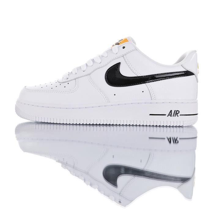 Baskets Nike Air Force 1 '07 Homme et Femme White Blanc - Achat ...