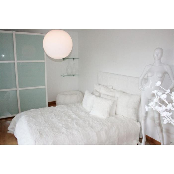dessus de lit en lapin blanc achat vente jet e de lit boutis cdiscount. Black Bedroom Furniture Sets. Home Design Ideas