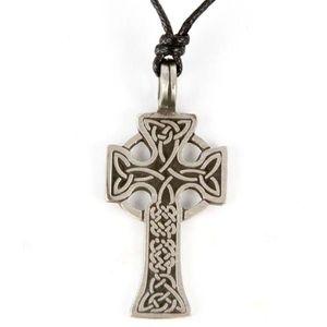 PENDENTIF VENDU SEUL Pendentif Croix Celtique Etain - A