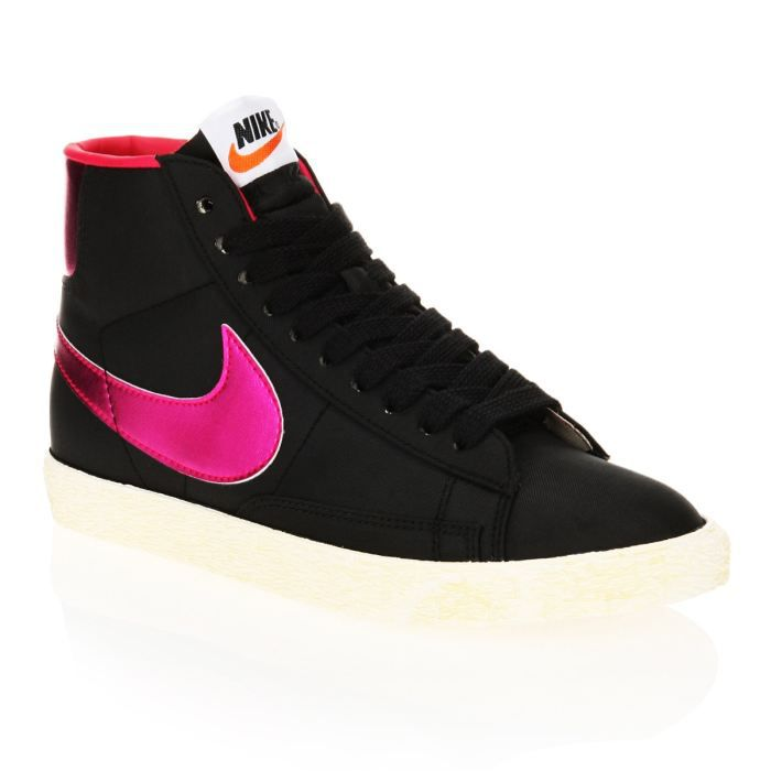 nike baskets blazer high femme femme noir et fuschia achat vente nike baskets blazer high. Black Bedroom Furniture Sets. Home Design Ideas