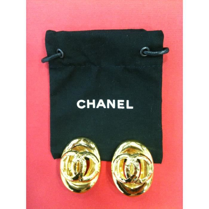boucles d 39 oreilles clips chanel en plaqu or achat. Black Bedroom Furniture Sets. Home Design Ideas