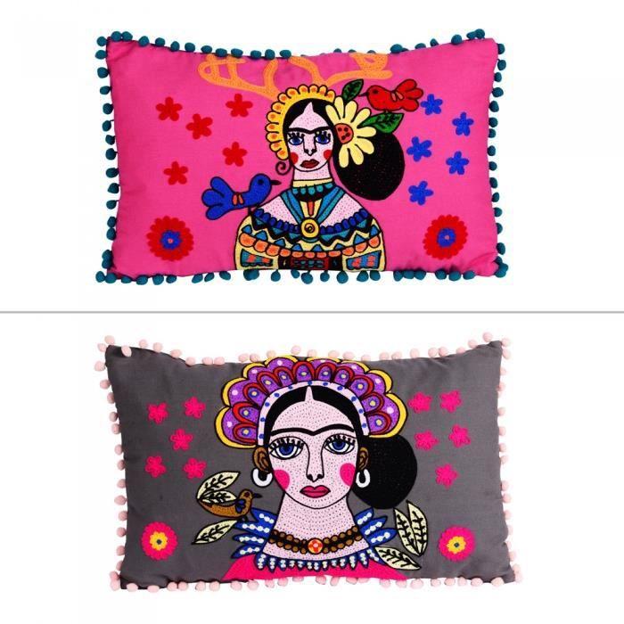 Coussin femme déhoussable 50 x 30 cm motifs assortis (1 modèle aléatoire) - Table Passion Multicolore