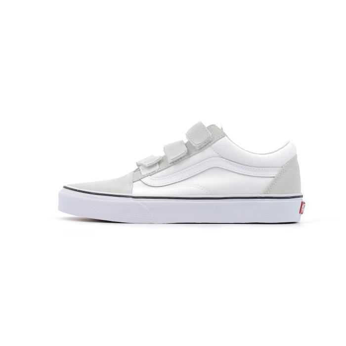 Baskets basses Vans UA Old Skool V coloris true white Blanc Blanc ... e82eb0960