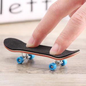 FINGER SKATE - BIKE  Skateboard en Bois avec Doigts Tech Deck