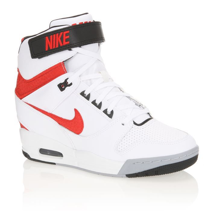 nike baskets air revolution sky hi femme femme blanc rouge noir et gris achat vente nike. Black Bedroom Furniture Sets. Home Design Ideas