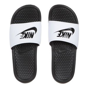 SANDALE - NU-PIEDS NIKE Sandales Benassi Just do it Homme
