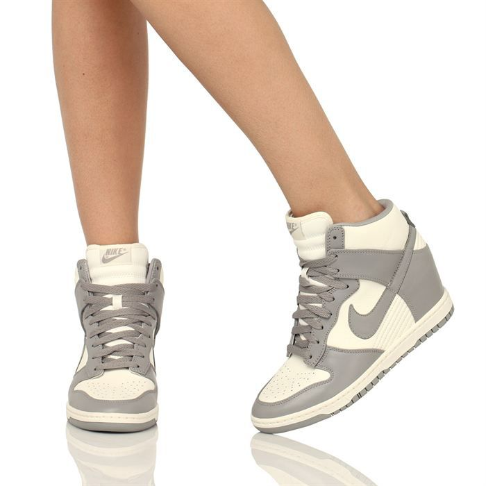 nike basket dunk sky hi femme femme blanc et gris achat vente nike dunk sky hi femme femme. Black Bedroom Furniture Sets. Home Design Ideas