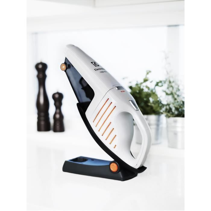 aspirateur main electrolux rapido zb5103 achat vente aspirateur a main les soldes sur. Black Bedroom Furniture Sets. Home Design Ideas