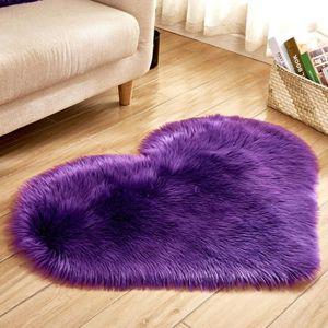Tapis coeur violet