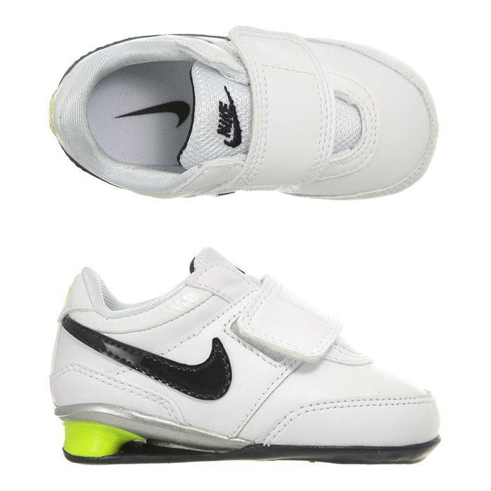 nike baskets metro shox b b blanc noir et vert fluo. Black Bedroom Furniture Sets. Home Design Ideas