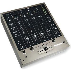 TABLE DE MIXAGE Tables de Mixage D.J. M6 USB M6USB