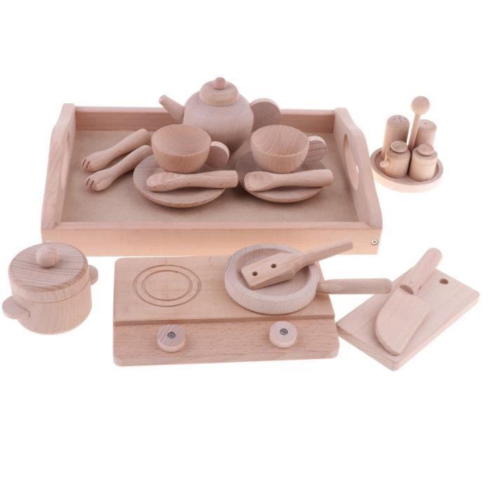 ustensiles de cuisine en bois de hêtre massif semblant jouer à des jouets