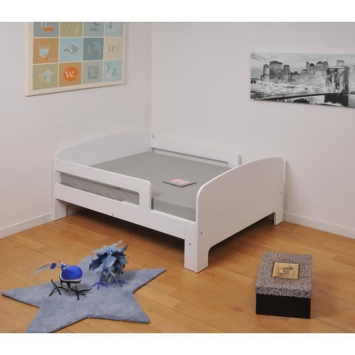 toby lit enfant volutif 90x140 200 cm matelas blanc achat vente structure de lit toby. Black Bedroom Furniture Sets. Home Design Ideas