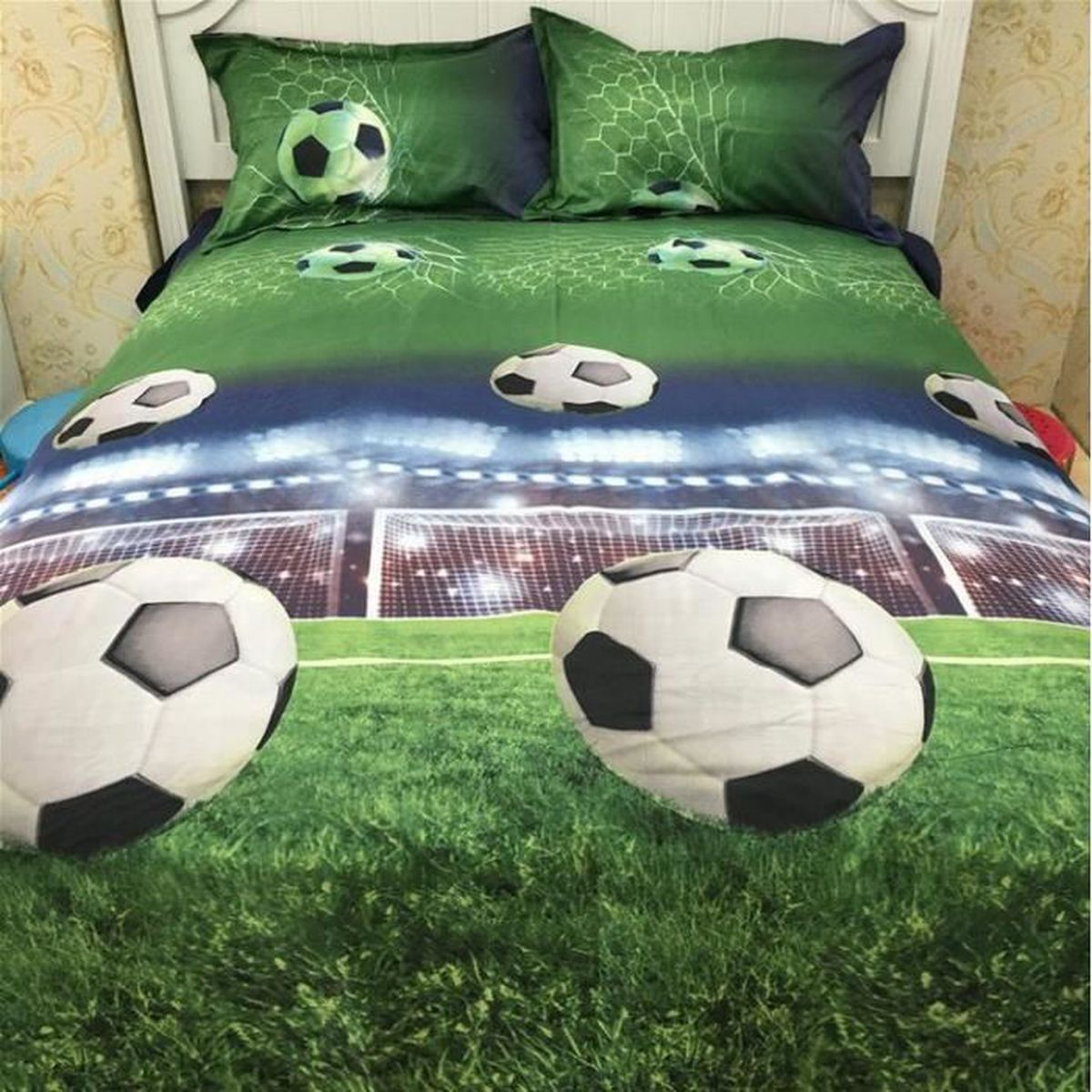 parure de lit football pour 2 personnes 3d effect polyester 200 230cm 4 pieces achat vente. Black Bedroom Furniture Sets. Home Design Ideas