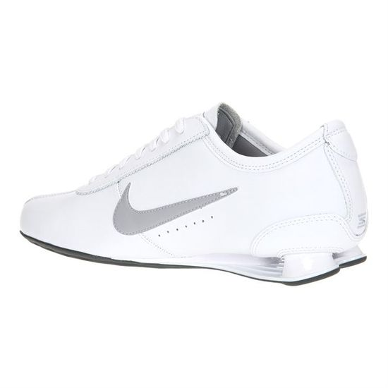 basket nike shox homme blanche