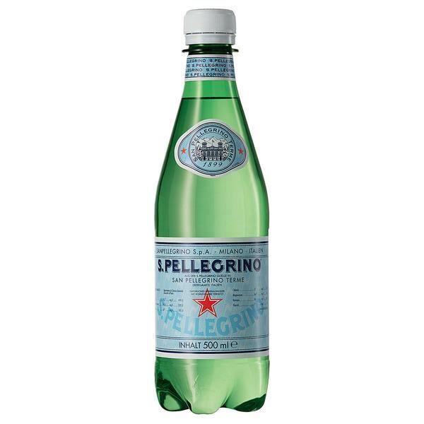 San Pellegrino L'eau minérale naturelle renforcée au dioxyde de carbone 24 x 0,5l
