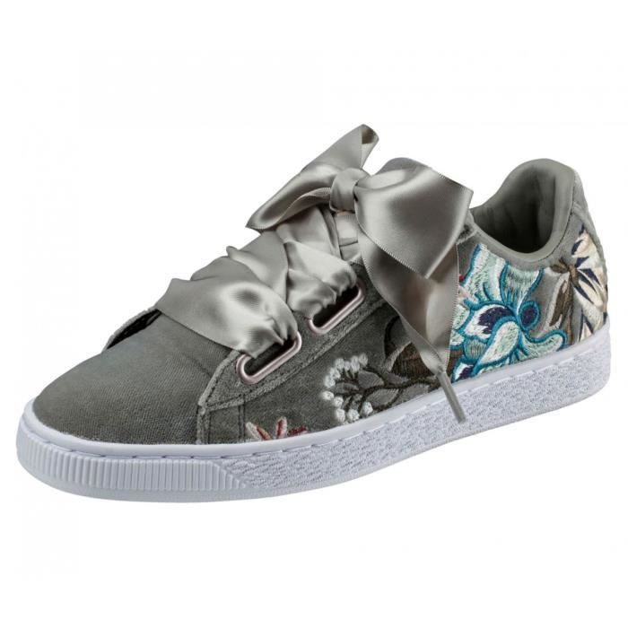 Baskets Puma Suede Heart Hyper Embroidery 36611603 Gris