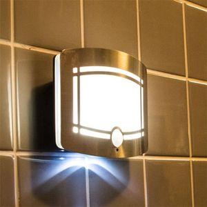 APPLIQUE  NOVA lampe activées par des détecteurs de mouvemen