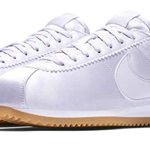 finest selection 54b39 6ff36 BASKET Chaussures Sportswear Femme Nike Wmns Classic Cort