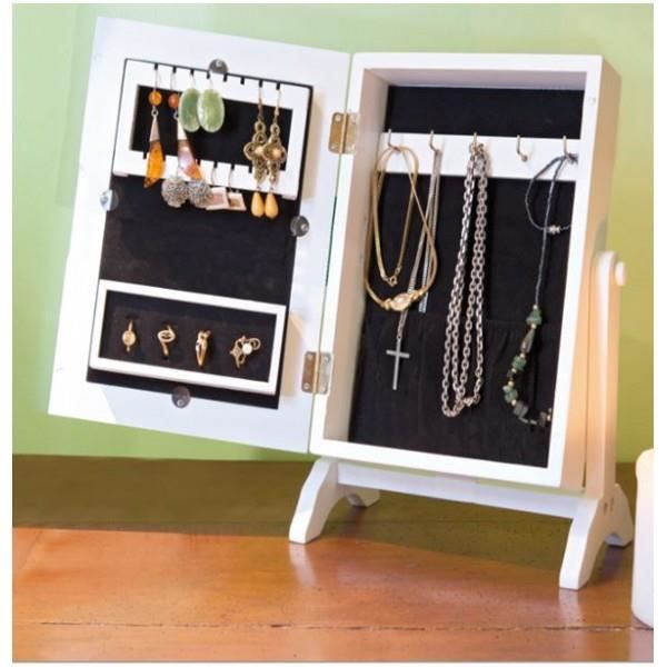 armoire a bijoux. Black Bedroom Furniture Sets. Home Design Ideas