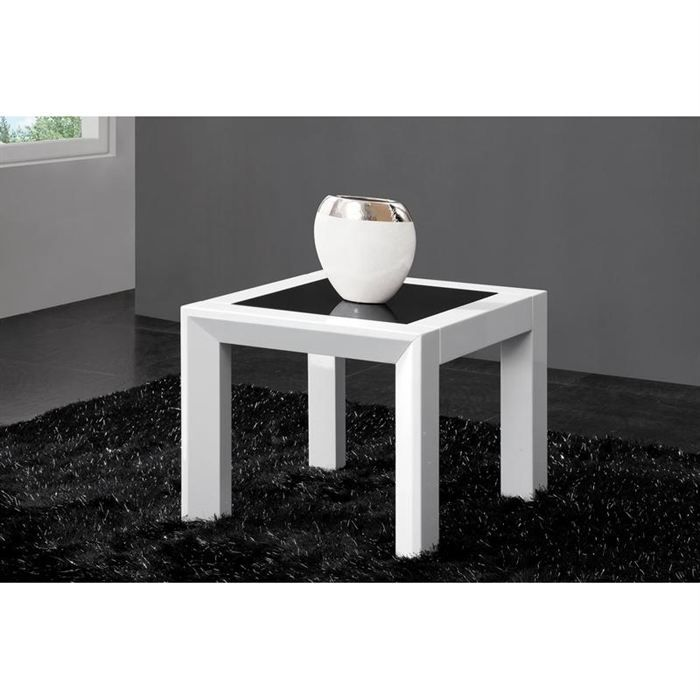 table d 39 appoint design laquee blanche halton. Black Bedroom Furniture Sets. Home Design Ideas