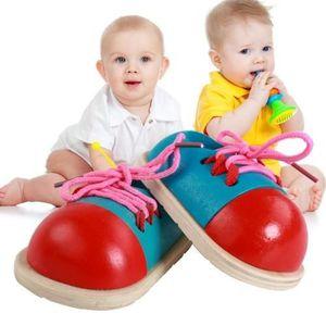 JEU DE MODE - COUTURE - STYLISME Paire de jouet éducatif enfants - Chaussures en bo