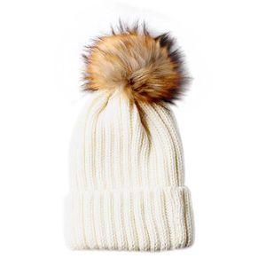BONNET - CAGOULE Chapeau de bonnet de tricot blanc de blanc de femm