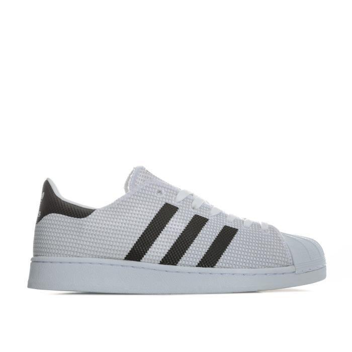 Baskets adidas Originals Superstar pour femme en noir et blanc.