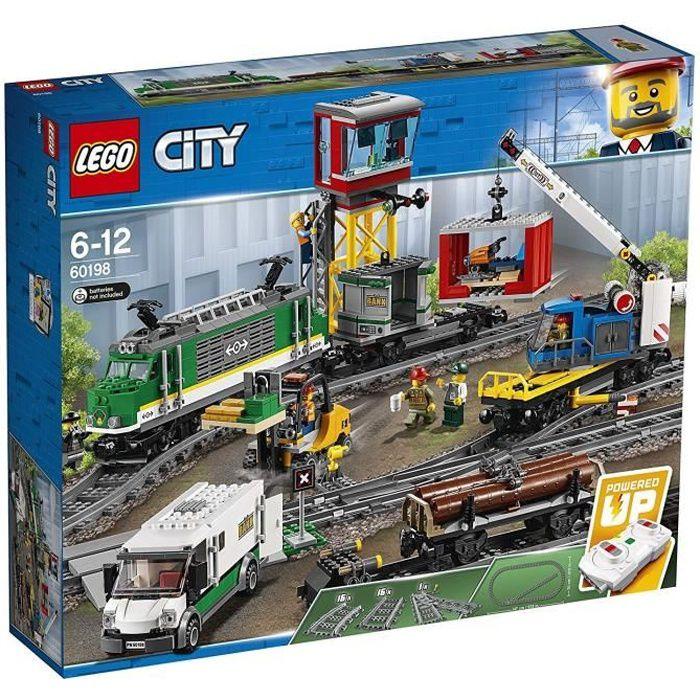 Photo de lego-city-60198-le-train-de-marchandises-telecommande