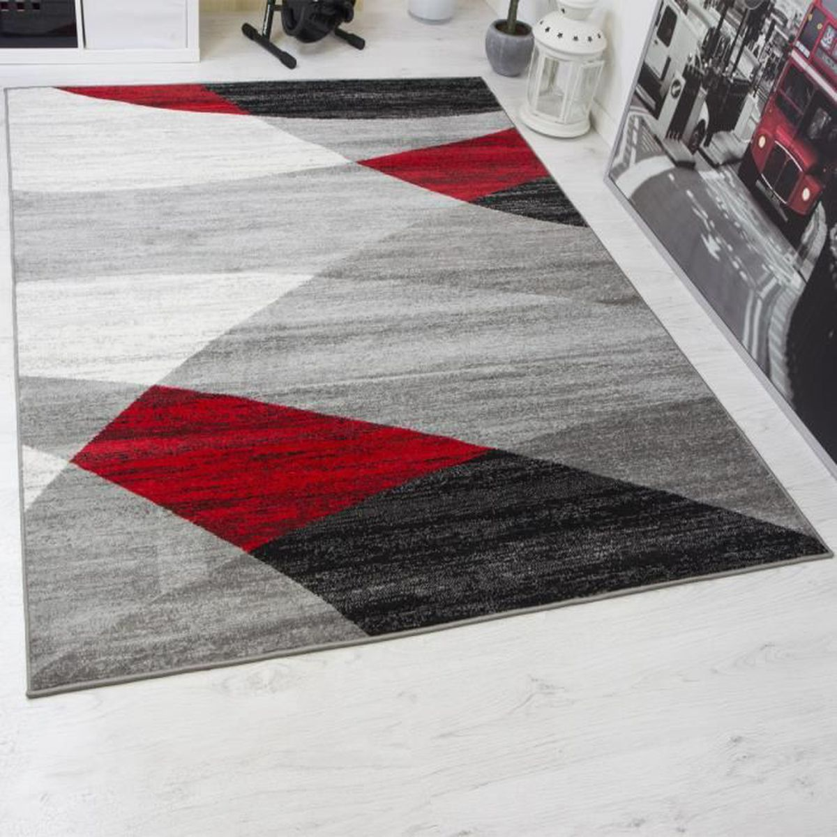 tapis design moderne 200x280 cm blanc noir et rouge motif g om triquegris achat vente. Black Bedroom Furniture Sets. Home Design Ideas