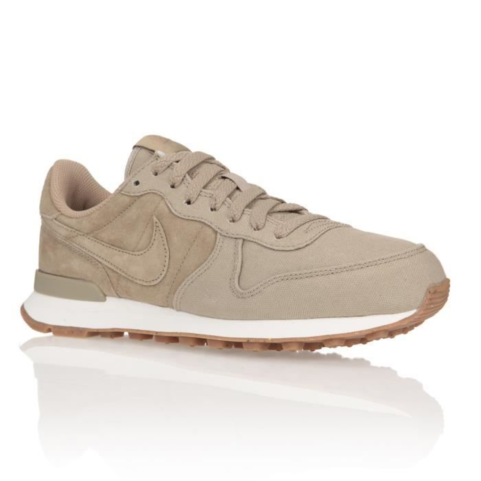 nike baskets w internationalist prm chaussures femme femme beige et or achat vente nike. Black Bedroom Furniture Sets. Home Design Ideas