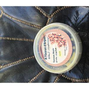 GOMMAGE CORPS savon noir à l'extrait d'argan