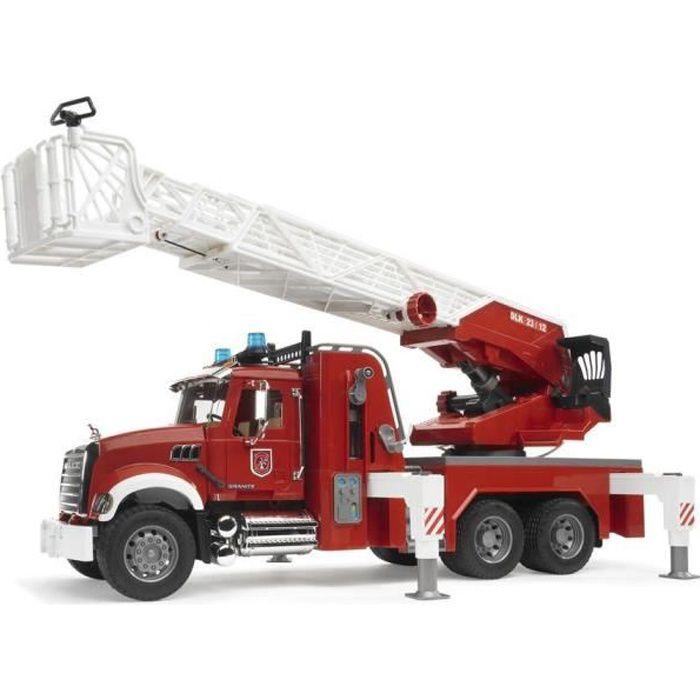 BRUDER - 2821 - Camion Pompier MACK Granit avec Echelle et Pompe à Eau - Echelle 1:16 - 63 cm